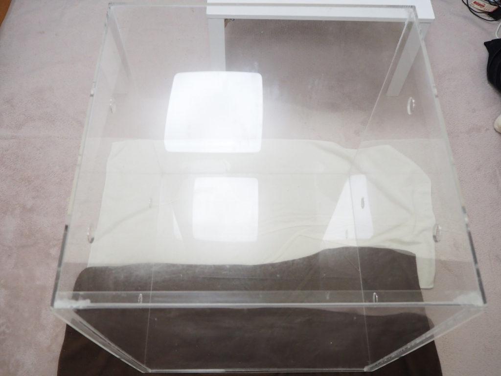 オカメインコのポテトくんのアクリルケージ(アクリルケース)を拭き掃除