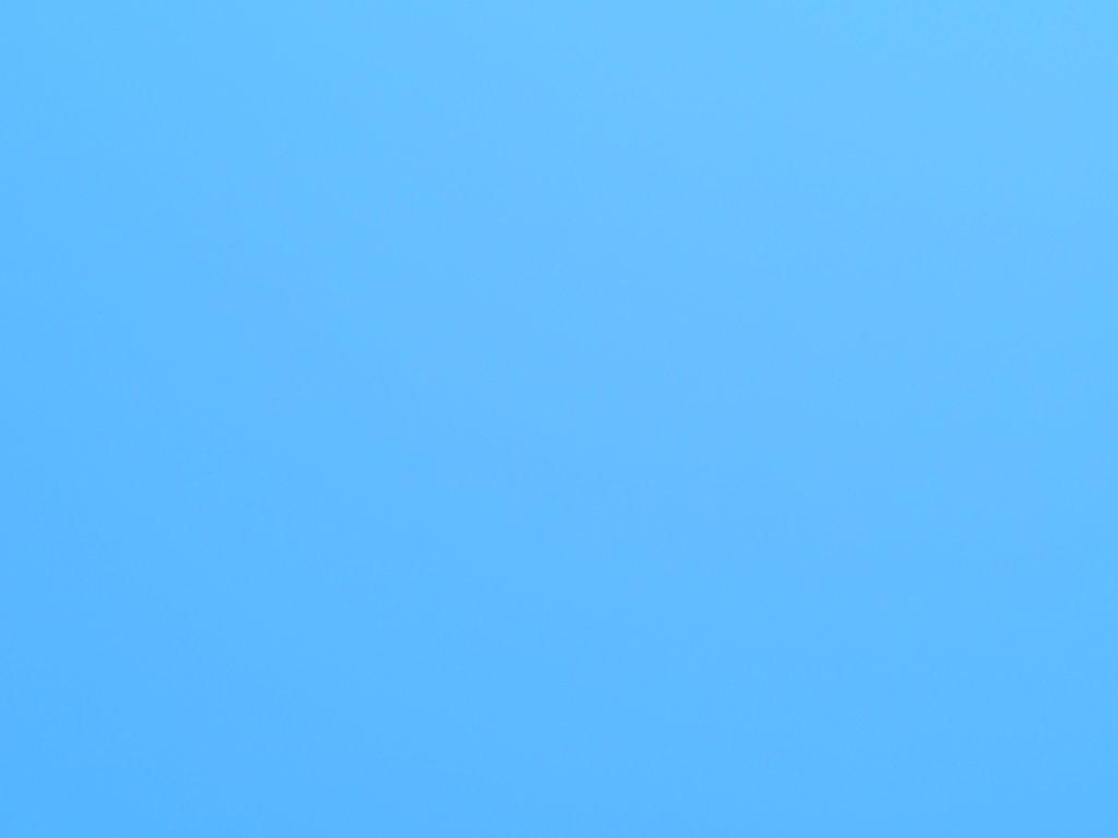 雲ひとつない快晴の青空
