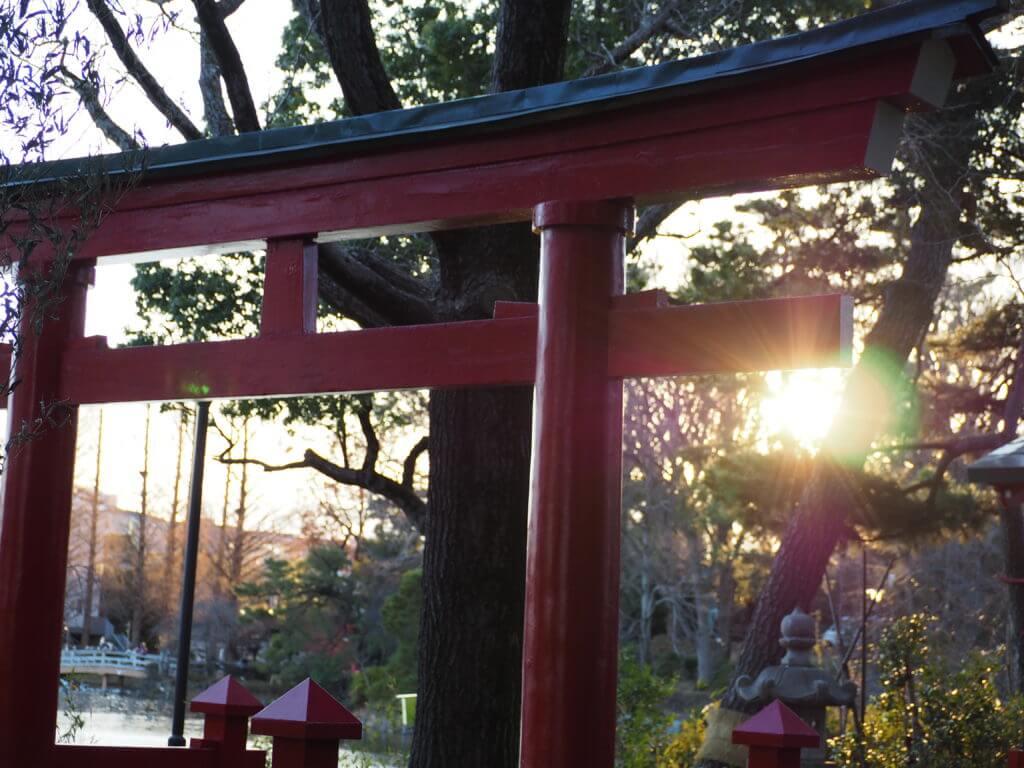 夕陽と鳥居