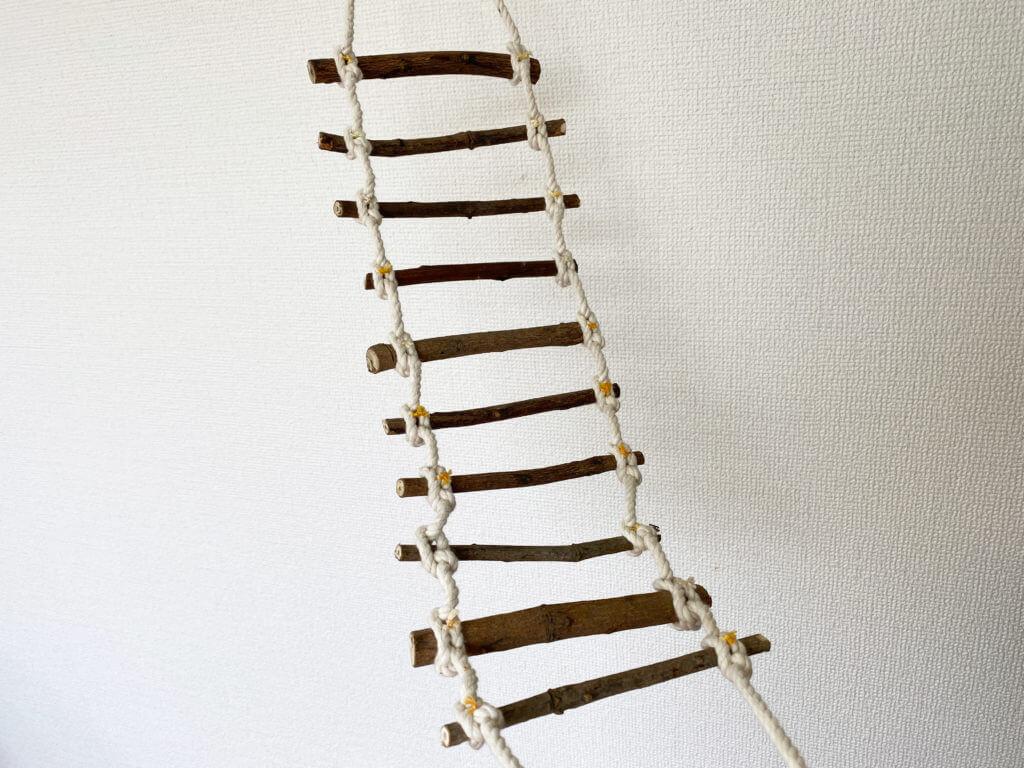 ヤスさん手作りの縄ばしご